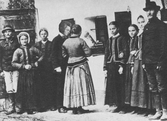 Foto história de Mozartók colhendo material para suas composições