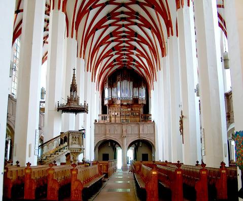 Interior da Thomaskirche (igreja de São Tomás) de Leipzig