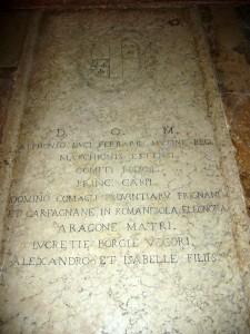 Túmulo de Lucrécia Borgia e de seu marido, Alfonso d'Este, em Ferrara (Itália)