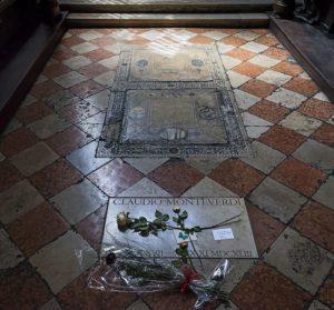 Túmulo de Monteverdi na imponente Basílica de Santa Maria Gloriosa dei Frari, em Veneza.